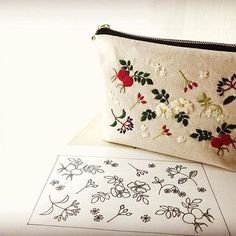 Adorable Embroidery on the purse-Hmm. I need to do something like this on one of my purses! Bag Patterns To Sew, Hand Embroidery Patterns, Cross Stitch Embroidery, Creative Embroidery, Embroidery Fashion, Bag Illustration, How To Make Purses, Brazilian Embroidery, Fabric Yarn