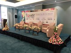 Good afternoon from Radisson Blu Nairobi, today the Flower Logistics Africa Conference starts. A new initiative by Logistics Update Africa, that promises to bring key stakeholders of Africa's flower power to discuss and learn the best practices of sustainable cut flower supply chain. It is one of the first conferences in Africa that put the focus on the evolving floral supply chain – from blooms to bouquets. #FLA2016