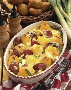Unser beliebtes Rezept für Käse-Kartoffeln mit Cabanossi und mehr als 55.000 weitere kostenlose Rezepte auf LECKER.de.