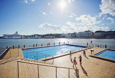 Allas Sea Pool avattiin viime vuonna. Sitä keskeisemmälle paikalle ei uimalaa voisi rakentaa.