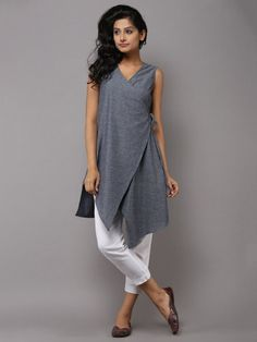 Our shrugs are the perfect technique to slightly include warmth to effectively an outfit while still looking stylish.Charcoal Grey Cotton Angarakha Tunic by the Wooden ClosetRedesign for winter with full slevesGet along an occasion look utilizing a s Shrug For Dresses, Casual Dresses, Fashion Dresses, Kurta Designs, Blouse Designs, Indian Dresses, Indian Outfits, Desi Wear, India Fashion
