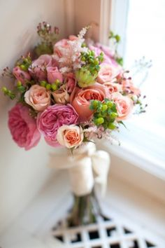Gorgeous pink peach bouquet | photography by http://www.courtneyreese.com/blog/