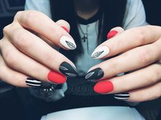 Think again, it's also good for nails! To determine the best shape to give them during your manicure, it is important to… Continue Reading → Gelish Nails, Red Nails, Manicure And Pedicure, Hair And Nails, Pretty Nail Art, Gel Nail Designs, Fabulous Nails, Nail Arts, Nails Inspiration