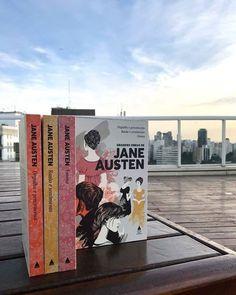 """Ei #culturete que tal renovar os livros de cabeceira com essa coleção Grandes Obras de Jane Austen? O box que é uma homenagem ao bicentenário da escritora inglesa vem com """"Orgulho e preconceito"""" """"Razão e sensibilidade"""" e """"Emma"""" os três maiores sucessos dela que viraram até filme para ler e reler quando quiser. De quebra todas as capas vêm com ilustrações superdelicadas. Amamos!  via GLAMOUR BRASIL MAGAZINE OFFICIAL INSTAGRAM - Celebrity  Fashion  Haute Couture  Advertising  Culture  Beauty…"""