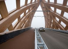 Inside the bridge - Commissioned by the province of Fryslân, we designed two wooden traffic bridges in Sneek in collaboration with Onix under the name OAK (Onix Achterbosch Kunstwerken). The bridges connect two districts on either side of the A7. They are designed as a new city marker on the highway.