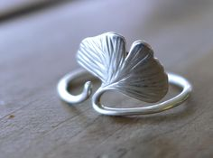 Ginkgo Leaf ring by Likesyrup