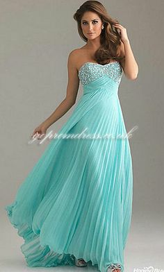 Love this kind of dress! <3