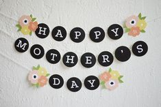Free printable Mother's Day banner!