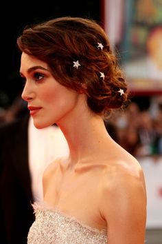 Keira Knightley - Love the hair jewelry in a long style with jeans