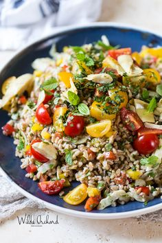 Mediterranean Farro Salad | A 15 minute Salad dream. Loaded with herbs, and veggies and tossed with a 4 ingredient vinaigrette | www.wildeorchard.co.uk