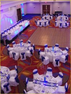 Silver and blue wedding decorations 00178