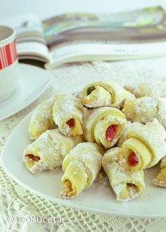 My favorite Romanian dessert :) Healthy Dessert Recipes, Sweets Recipes, Easy Desserts, Cookie Recipes, Romanian Desserts, Romanian Food, Romanian Recipes, My Favorite Food, Favorite Recipes
