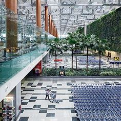 Airports, Things to do in Changi Airport, Singapore, take a dip in the pool before a long haul flight with kids! The Places Youll Go, Great Places, Places To See, Beautiful Places, Singapore Malaysia, Singapore Travel, Singapore Sights, Singapore City, Singapore Things To Do