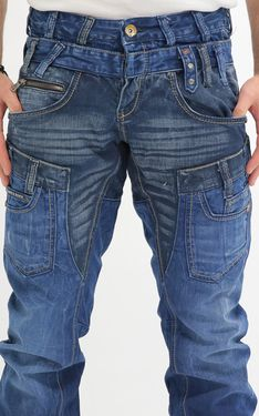 Looking for Men's Designer Jeans? Cipo & Baxx has the latest styles of Men's Ripped Jeans in Australia. Shop now on our online store! Look Fashion, Mens Fashion, Fashion Design, Fashion Photo, Fashion Ideas, Diy Vetement, Stylish Mens Outfits, Mode Style, Mens Clothing Styles