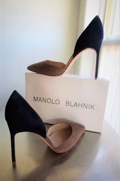manolo blahnik shoes for women Dream Shoes, Crazy Shoes, Me Too Shoes, Women's Shoes, Shoe Boots, Rain Boots, Pretty Shoes, Beautiful Shoes, Daily Shoes
