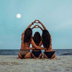 Projet bff pictures, friend photos et best friend photos. Cute Beach Pictures, Cute Friend Pictures, Sister Beach Pictures, Beach Pics, Tumblr Beach Photos, Creative Beach Pictures, Lake Pictures, Summer Pictures, Funny Pictures