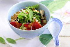 Tomatisiertes Wok-Gemüse mit Salbei