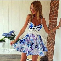 I love this dress :) I don't think I could pull it off though :P
