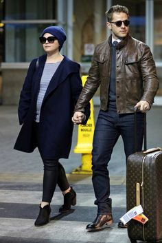 Ginnifer Goodwin and Josh Dallas arriving back in Vancouver ❤️❤️❤️