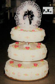 Keiner zu klein,köstlich zu sein !: Hochzeit Torte .Das war für eine kleine Hochzeit ... Marzipan, Cake, Desserts, Food, Pies, Wedding, Essen, Recipies, Sugar