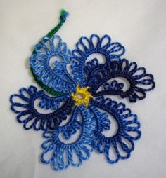 Folded Rings: Martha Ess taught a class at the 2007 Tat Days (Palmetto Tatters)