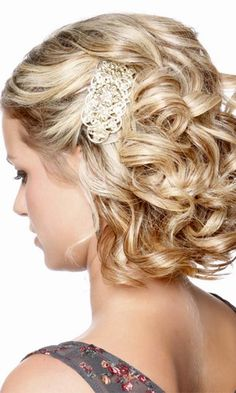 24 Short Wedding Hairstyle Ideas So Good Youd Want To Cut Your Hair Thehairstyler