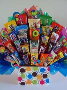 Any Occasion & Get Well - Sweet Celebrations by Stacey Candy Bouquet Diy, Lollipop Bouquet, Diy Bouquet, Cute Birthday Gift, Birthday Gifts For Best Friend, Halloween Gift Baskets, Halloween Gifts, Candy Arrangements, Candy Centerpieces