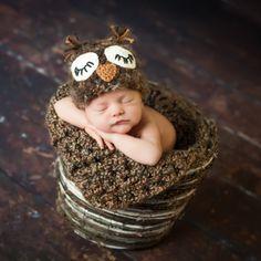 newborn twins photography ideas   Unique Baby Photography l Unique Infant Photos l Thing 1 & Thing 2 ...