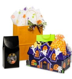 Halloween Boxes & Bags from Nashville Wraps! #halloweengiftbaskets