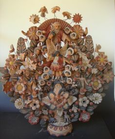 Massive vintage tree of life from Metepec!    http://www.mexicana-nirvana.com/catalog/item/7774067/9973501.htm