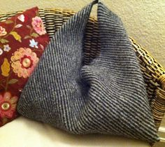 Nice bag, idea for knitting Hand Knitted Sweaters, Knitted Bags, Knitting Yarn, Baby Knitting, Yarn Bag, Tear, Knit Or Crochet, Crochet Bags, Crochet Accessories
