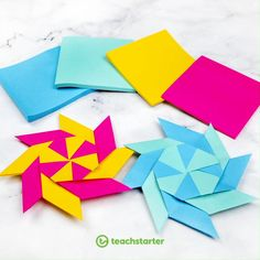 Are you looking for something to entertain the kids? This little activity will blow their mind! All you need for this transforming ninja star is 8 sticky notes! So, what are you waiting for? Grab some sticky notes and have some fun! Instruções Origami, Basic Origami, Origami Videos, Origami Stars, Origami Flowers, Origami 3d Hexagon, Simple Origami For Kids, Origami Wreath, Origami Wall Art