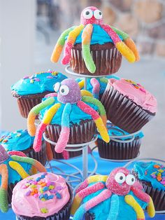 These gummy worm octopus cupcakes are a real underwater treat! Perfect for evoking the feel of Bikini Bottom at a SpongeBob birthday party. Kids will love this sweet party treat!
