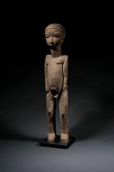 "Lobi Bateba Phuwe Figure, Burkina Faso, 61cm, published in ""Skulpturen der Lobi"", Skulpturenmuseum Glaskasten Marl 2011. Photo © Niklas Herkenhoff."