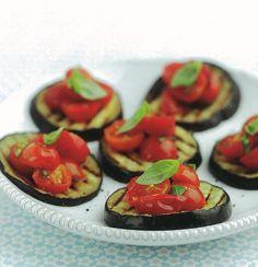 Tapas de beringela com alho e tomate-cereja | SAPO Lifestyle