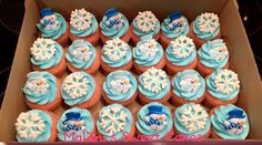 Snowmen/Snowflake cupcakes made by MaLou's Sweet Cake Creations