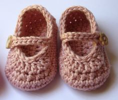 Ready to ship- Baby girl, 0-3 month Crochet Mary Jane shoes, booties, Pink
