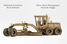 Beautiful custom models made as exact replicas from the actual machinery.  Everything moves and works as it should.  Truly amazing.