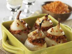 Zwiebeln mit Linsenfüllung ist ein Rezept mit frischen Zutaten aus der Kategorie Wurzelgemüse. Probieren Sie dieses und weitere Rezepte von EAT SMARTER!