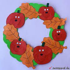 őszi dekoráció papírból csiga - Google keresés Art N Craft, Halloween, Tigger, Dinosaur Stuffed Animal, Crafts For Kids, Album, Christmas Ornaments, Holiday Decor, Fall