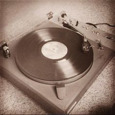 Did you the rock the turntables? Crave the smell of vinyl? Spin a 45 on the palm of your hand? For #TBT we're reminicsing the age of the record player, when mp3 players were a typo and you worried about scratching your disc with the needle. So turn on the hi-fi and be your own DJ at the decks! Regram pic from @dreafluff #recordplayer #turntable #vinyl #45rpm #hifi #fidelity #music #DJ #technology #ACMA