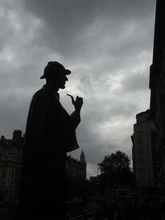 Sherlock Holmes Statue at the Baker Street Station