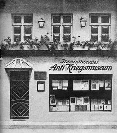 ca 1925 Das Anti-Kriegsmuseum wurde von dem Schriftsteller Ernst Friedrich gegruendet u.befand sich in der Parochialstrasse in Mitte(bis zur Schliessung durch die SA 1933)