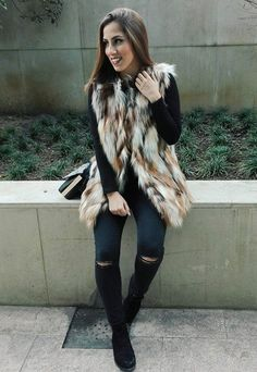 Obsessed with this fur #vest @catarinasanti !! LOVE it
