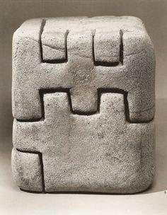 Eduardo Chillida Art Sculpture, Abstract Sculpture, Sculpture Ideas, Ceramic Boxes, Ceramic Art, Contemporary Sculpture, Contemporary Art, Found Art, Art Moderne