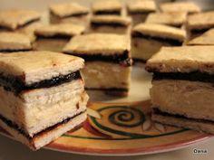 Rețetele Familiei: Prajituri Delicious Cake Recipes, Yummy Cakes, Dessert Recipes, Desserts, Romanian Food, Romanian Recipes, Bee Cakes, Food Cakes, Family Meals