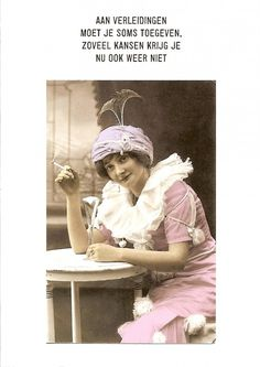 Verleidingen haha, good one! Vintage Humor, Vintage Cards, Pin Up Illustration, Funny Greetings, Dutch Quotes, Funny Qoutes, Cheer You Up, Family Problems, Thats The Way