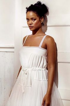 The queen working a new look: Rihanna sports a new demure look in promotional shots for her new app AntiDiary Rihanna Mode, Best Of Rihanna, Rihanna Looks, Rihanna Riri, Rihanna Style, Rihanna Outfits, Rihanna Photoshoot, Black Is Beautiful, Beautiful People