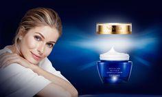 NovAge Intense Skin Recharge regeneráló éjszakai arcmaszk  Ébredjen reggel üde és revitalizált bőrrel. Intenzív, eltávolítást nem igénylő arcmaszk mélyen tápláló inkamogyoró-olajjal, cupuaçu-vajjal és hidratáló hyaluronsavval. Csökkenti a fáradtság jeleinek megjelenését, és láthatóan kipihentté teszi a bőrt reggelre. Használja heti egy vagy két alkalommal a szokásos éjszakai krém fölött.  Regisztráció után 20%-kal kedvezőbb! Regisztrálj itt: http://goo.gl/85oOOA
