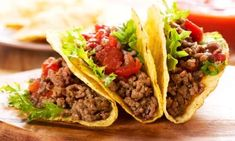Dinner ready in 25 minutes! Enjoy these tacos made using ground beef, cheese, lettuce and tomatoes that are served with salsa. Enchiladas, Homemade Taco Seasoning Mix, Homemade Tacos, Seasoning Mixes, Burritos, Tostada Recipe Beef, Taco Recipe, Beef Recipes, Mexican Food Recipes